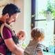 Nouveau-né : plus de place pour le papa